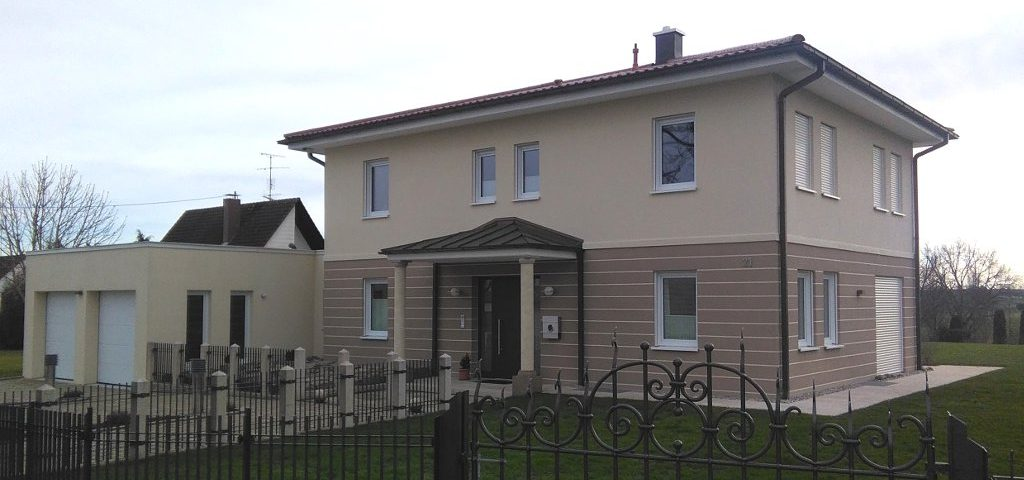 Wohnhaus Fassadenputz, Innen Kalkputz